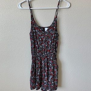 Divided H&M floral romper with Pockets